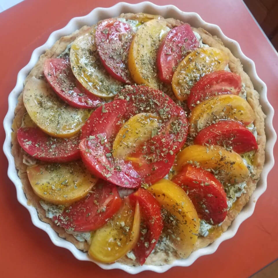Leek and dill tart topped with red and yellow tomatoes - an alternative look!